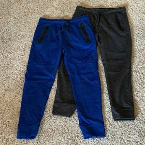 American eagle joggers two pairs